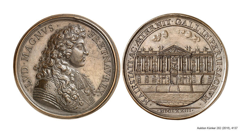 Medal of Louis XIV of France from 1673 on the completion of the eastern façade of the Louvre